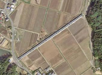 公平水路橋(その3)。グーグルマップから。「水路の交差点」はマニアも多く、ここも全国的に有名。