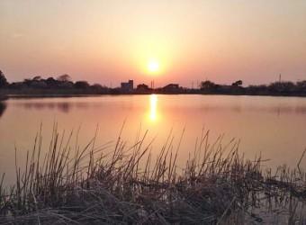 大関堰は、日の沈む頃も美しい。見飽きることはない。