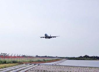 成田空港Bラン北側(その1)。ここは本当に面白い光景が見られる。