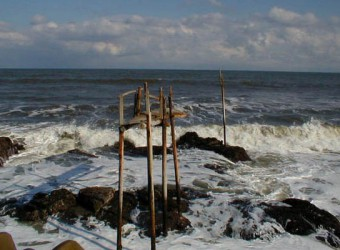 かつて太東海岸にあった謎の構造物。今はもう流されたのか、無くなった。なんだか残念!(笑)