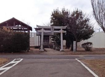 東峰神社(その3)。ここに来ると必ずパシャッと撮影される。もちろん機動隊から。(ご苦労さんです)