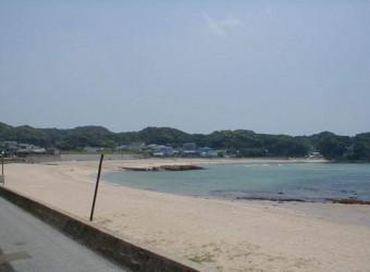 勝浦の守谷海水浴場。砂浜の美しさは房総一かもしれない。