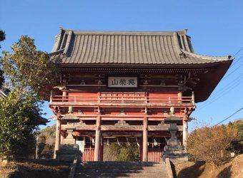 興栄山妙泉寺の楼門(寛政年間の建立)